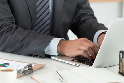 Трудовой договор с директором ООО: образец,  кто заключает, как расторгнуть, договор с заместителем, совместительство