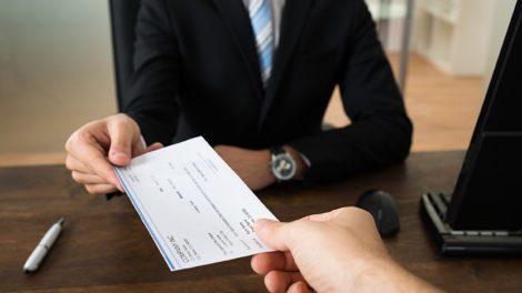 Серая зарплата: что это такое и как доказать вину работодателя?