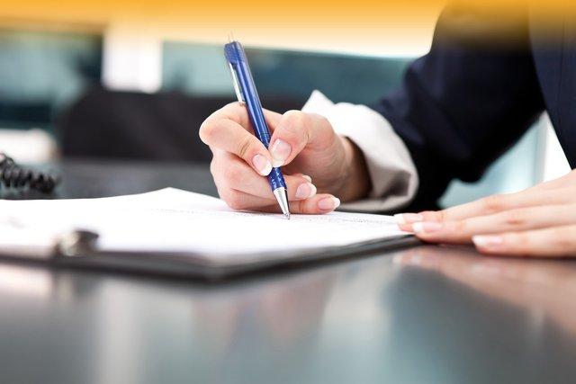 Штатное расписание ИП: образец и инструкция по заполнению, а также ответ на вопрос, обязательно ли оно нужно индивидуальному предпринимателю или нет