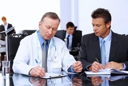 Какие документы нужны для медосмотра при приеме на работу и кто его должен проходить?