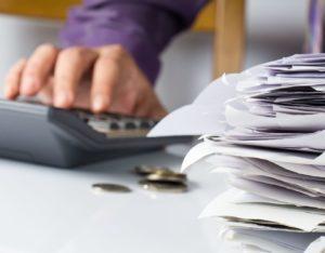 Ограничения по ЕНВД по выручке, особенности применения этой системы для ООО и ИП, а также образец заполнения книги учета валового дохода по единому налогу