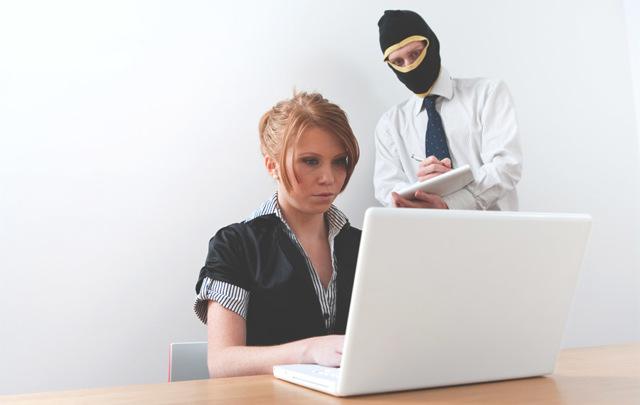 Конфиденциальность персональных данных: какую информацию разглашать запрещено и что бывает за нарушение данных прав?