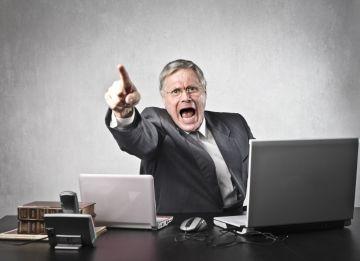 На что имеет право работодатель: может ли он штрафовать или уволить работника а также удерживать суммы из заработной платы и отправить сотрудника в отпуск без его согласия