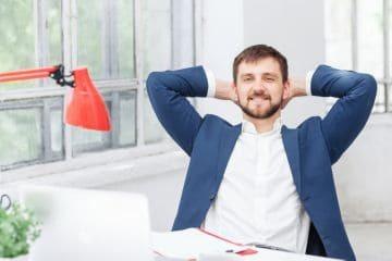 Как начисляется премия: каковы порядок и правила премирования сотрудников, как выплачиваются бонусы и как происходит их оформление, кто определяет размер и критерии поощрений, а также как оформить единовременную выплату работникам?