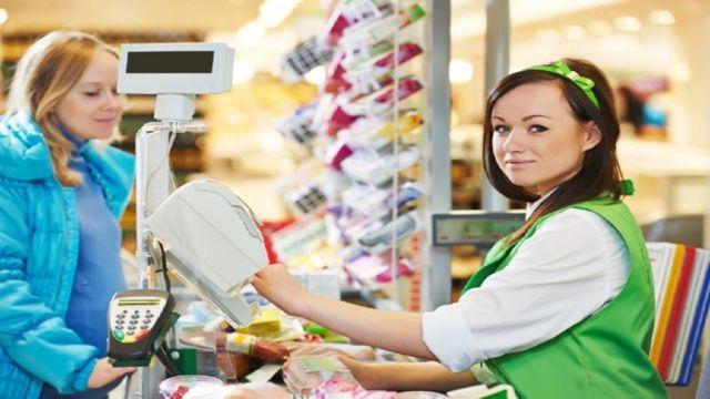 Изучаем обязательный кадровый документ: должностная инструкция продавца-кассира
