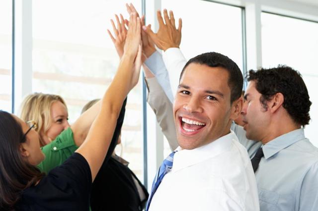 Показатели премирования сотрудников предприятия: что является главным в системе поощрений и как оценить, кому давать премию, для чего нужны общие критерии эффективности работников и способы такой оценки по отделам