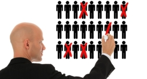 Нужно ли менять штатное расписание при увольнении сотрудника, что это за процедура и когда необходимо её проводить?