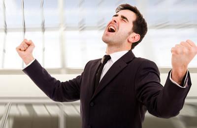 Незаконное увольнение: как восстановиться на работе и получить компенсацию морального вреда?