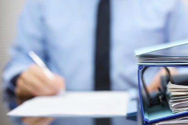 Гарантийное письмо об оплате услуги: образец от юридического лица, пример составления структуры документа, а также кто должен его писать и как отправить адресату?