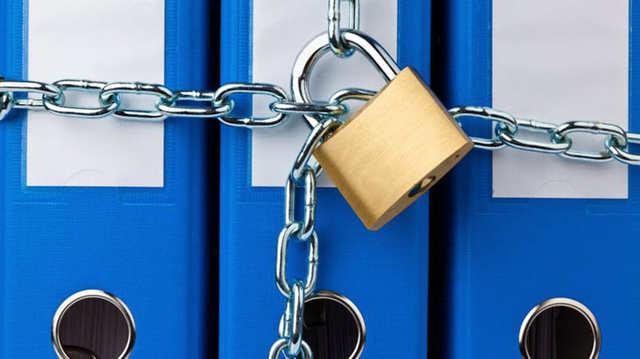 Хранение персональных данных на территории РФ: в каких местах можно спрятать информацию, требования к этим носителям, каков их вид (бумажные и электронные)?