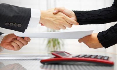 Гражданско-правовой договор с работником: его виды и отличие от трудового