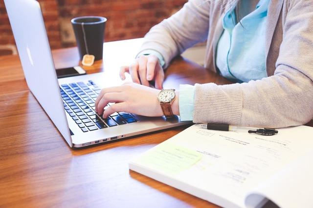 Обязательно ли выставлять счет-фактуру на аванс: как выписать по правилам, можно ли сделать в конце квартала, каков порядок заполнения документа АСФ?