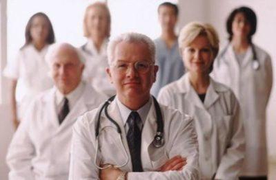 Дополнительный отпуск медработникам (рентгенологам, участковым терапевтам, медсестрам, врачам на селе) за вредные условия труда и не только: как рассчитывается?