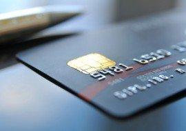 Выплата заработной платы на банковскую карту: можно ли перечислять зарплату на чужую карту?