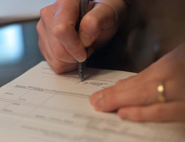 Договор на обработку персональных данных: что это такое, нужно ли согласие и как прописать такой пункт в трудовом документе, скачать образец