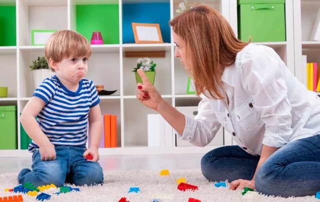 Докладная на воспитателя детского сада от старшего воспитателя: образец записки на родительницу и на ребенка за плохое поведение от методиста
