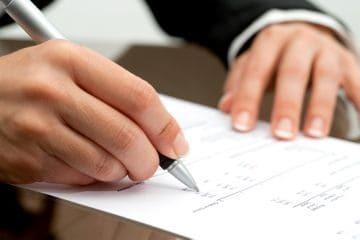 Увольнение: причины, как провести данную процедуру для разных категорий граждан в определенных ситуациях, а также документальное оформление