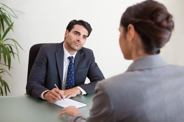 Как правильно проходить собеседование при приеме на работу: правила поведения, ответы на вопросы, примеры как лучше себя вести при устройстве на работу, видео