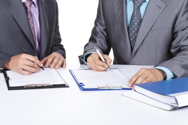 Этапы и последствия реорганизации юридического лица в форме присоединения: от составления передаточного акта до получения документов