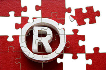 Ответственность за незаконное использование чужого товарного знака: что влечет за собой применение бренда без разрешения, образец претензии о неправомерном использовании и размеры штрафа