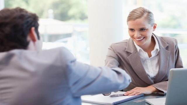 Должностная инструкция менеджера по работе с клиентами: что нужно знать?