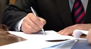 Приказ о переносе на другой срок или продлении отпуска в связи с больничным листом: образец документа